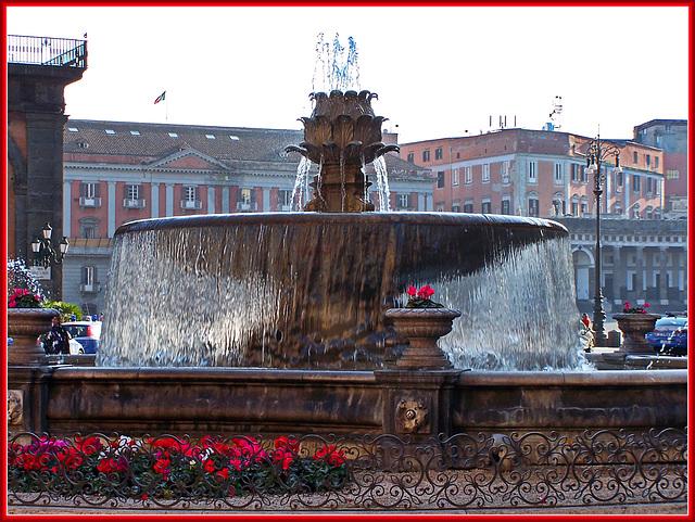 Napoli : Fontana del Carciofo - (827)