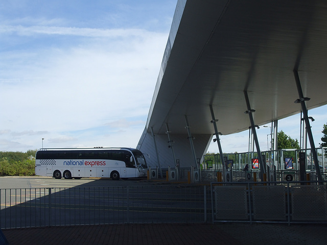 DSCF5001 Milton Keynes Coachway - 1 Sep 2016