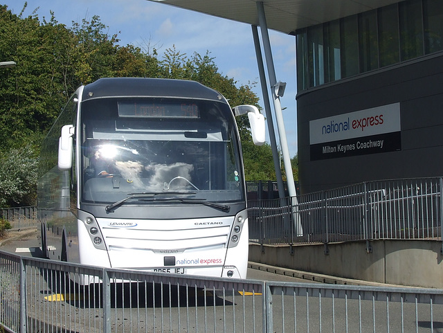 DSCF5003 Selwyns Travel BD65 JEJ (National Express contractor) at Milton Keynes - 1 Sep 2016