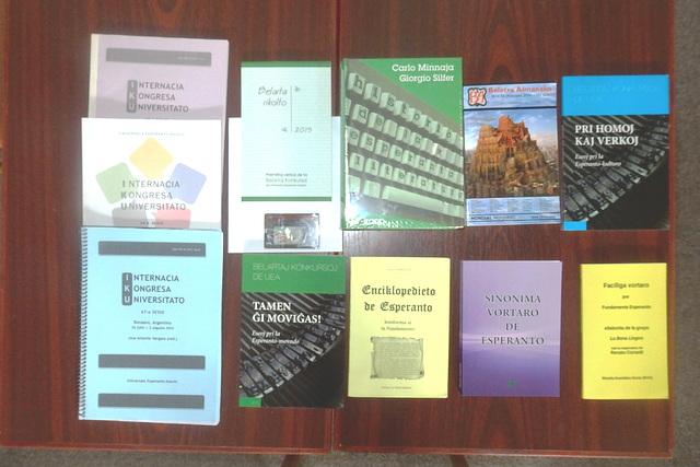 Novaj libroj, ricevitaj en julio 2017 por la ĈEA-Biblioteko de la fondaĵo Bachrich