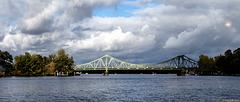 Kennt man: die Glienicker Brücke