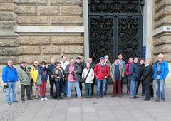 Am Treffpunkt: Hamburger Rathaus pünktlich um 12 Uhr - wie immer