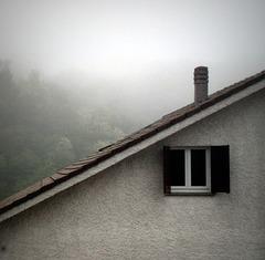 occhieggiando tra la nebbia
