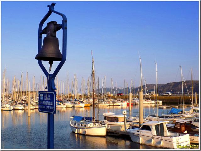 La cloche du port