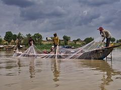Partie de pêche à Kampong-Phhang