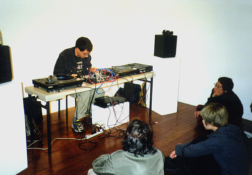 Turntable Performance Kyoto 1999 - VoiceGallery01
