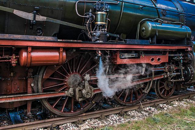 P8 Engine Detail
