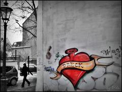Not found a Valentine? (>‿♥)