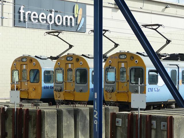 Metlink EMUs at Wellington (7) - 27 February 2015