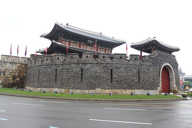 Paldalmun, Suwon