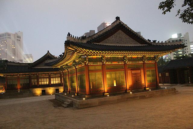Evening Inside Deoksugung