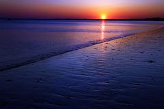 Certains ne me croiront pas , mais ce matin j'ai admiré ce coucher de soleil depuis mon plumard .