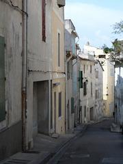 Giù per le strade di Arles