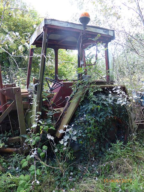 Marcel tu as bien rangé le tracteur ?