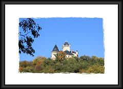 Siccieu-Saint-Julien-et-Carisieu (38) 15 octobre 2017. Le château de Saint-Julien.