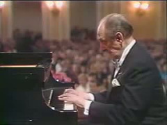 Horowitz plays Schumann-Traumerei in Moscow, 1986