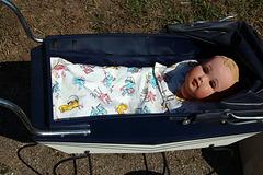 Le bébé idéal . Plus de caca vert , plus de diarrhée , plus d'odeur nauséabonde , et terminé les couches