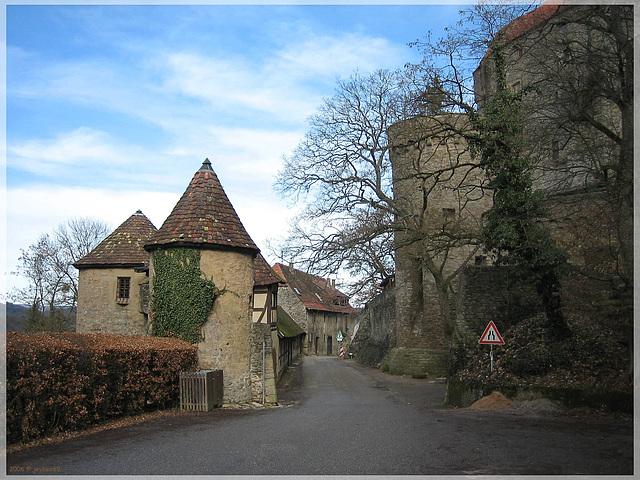 Burg Guttenberg (Im Bild die Vorburg)