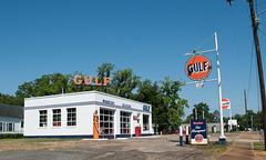 Quincy restored Gulf Station (#0587)