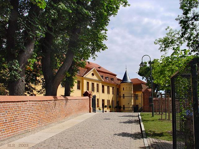 Stavenhagen, Auffahrt zum Schloss