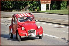 Crémieu (38) 3 septembre 2017. Passage de véhicules anciens après le traditionnel rassemblement de Verna (Environs de Crémieu).
