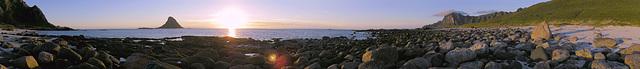 Bleik beach, bird's island Bleiksøya and Røyken ridge