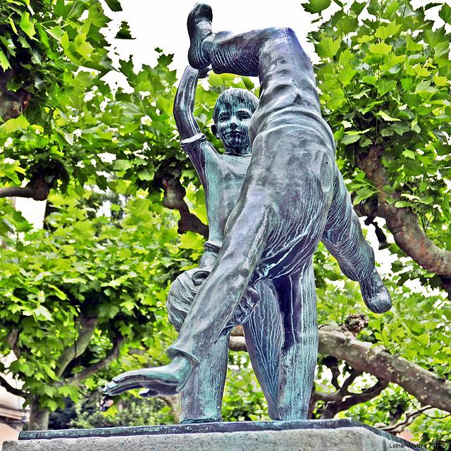 Radschläger... eines der Düsseldorfer Wahrzeichen...