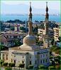 Suez : la bella moskea AL Badr alla fine del canale