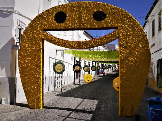 Emojis street