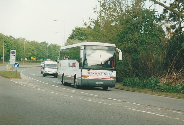 Birmingham Coach Co X422 WVO at Bragbury End - 2 May 2002