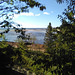 Feuillage et fleuve salé / Salted water among foliage (Québec)