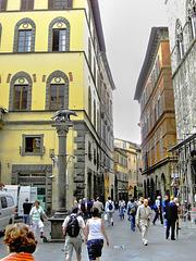 Siena. Piazzetta Luigi Bonelli. ©UdoSm