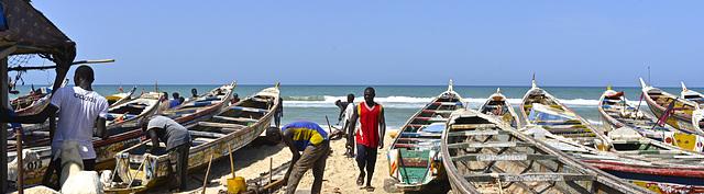 Pêcheurs sur la plage de Guet Ndar
