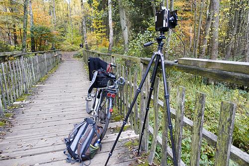 4x5 Kamera und Ausrüstung am Pioniersteg bei Bergedorf // -kamera-05879-co-04-11-18