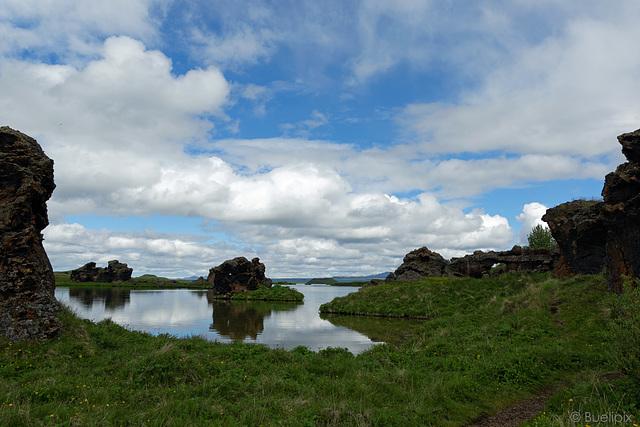 Mývatn - Landschaft (© Buelipix)