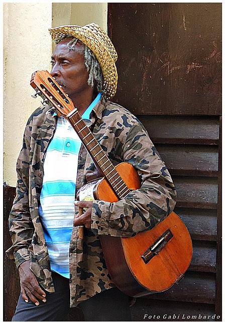 Caribbean Guitar Man (Cuba)