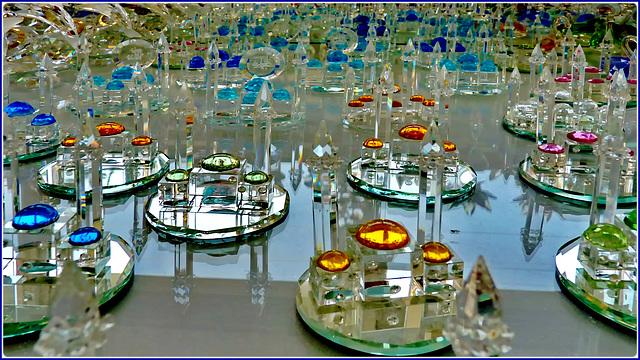 Manavat : moskee di cristallo per lo shopping dei turisti