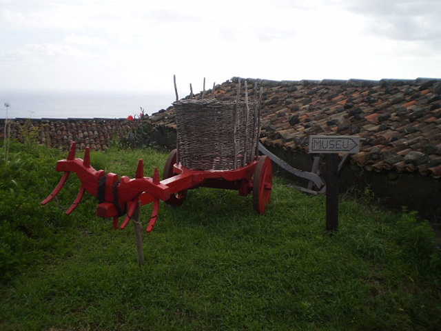 Displaying old cart for ox traction.