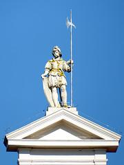 Dach-Statue