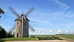 Environs de Châteaudun (28) 21 mai 2017. Plaine de la Beauce. Moulin de Frouville-Pensier