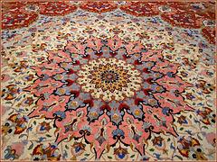 AbuDhabi : arte raffinata nei tappeti della moskea