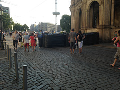 Blick in Richtung Postplatz mit umhüllten Merkelpollern