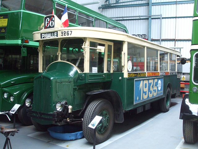 DSCF8753 Former RATP, Paris bus 3267 at the Isle of Wight Bus and Coach Museum - 6 July 2017