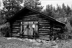 Loghouse for boat - Pålsbu Dam