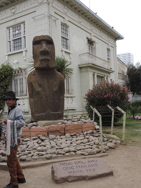 Moai-oj,  la misteraj skulptaĵoj
