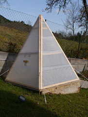 Nicht Cheops' Pyramide / Not Cheops' Pyramid