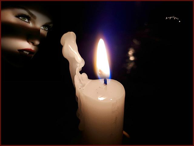 La flamme d'une bougie Est aussi fragile Qu'une âme que le vent souffle