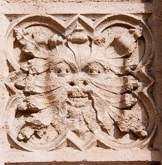 Lyon. Sur la façade de la cathédrale St. Jean.