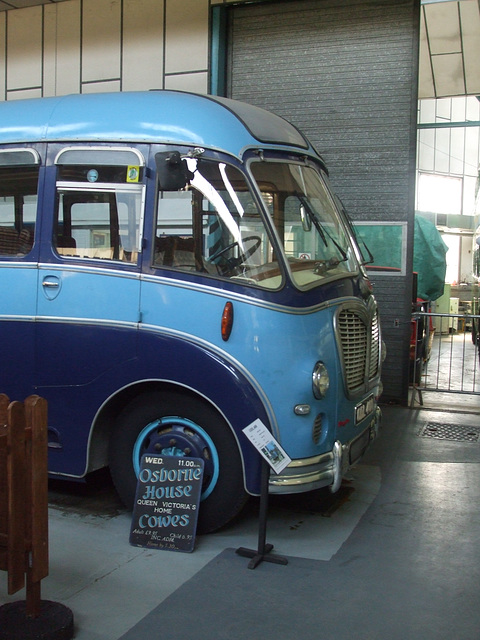 DSCF8767 Former Moss Tours ODL 400 at the Isle of Wight Bus and Coach Museum - 6 July 2017