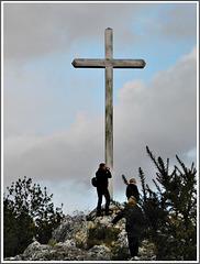La croix sur le rocher à Guenroc (22)